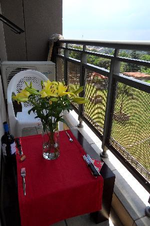 Westpoint Executive Suites : Small balcony