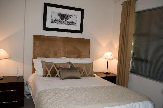 Westpoint Executive Suites: Guest bedroom