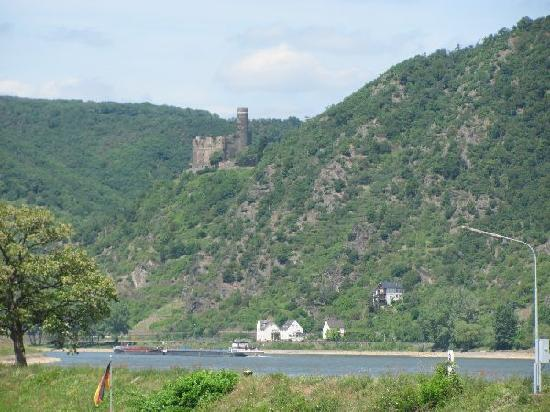 Burg Maus: view from St Goar