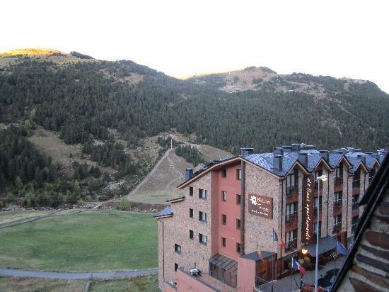 Hotel Confort Soldeu : Vue de la fenêtre