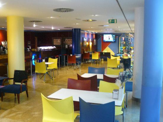 Hotel Torresport: Alegría, claridad, simpatía...