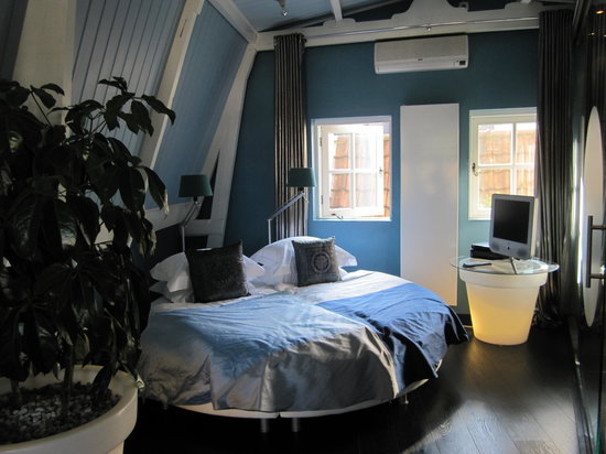 Boutique B&B Kamer01: Blue Room - comfy round bed