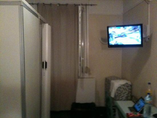 Hotel Le Normandie: Room inside