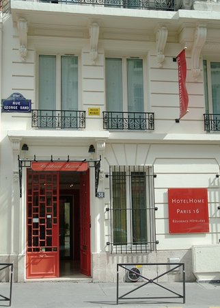 โฮเต็ลฮง ปารี 16: HotelHome Paris 16, a nice renovated building