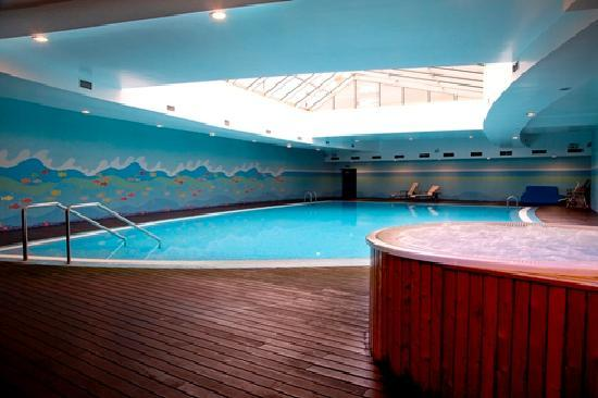Solplay Hotel de Apartamentos: Indoor swimming pool