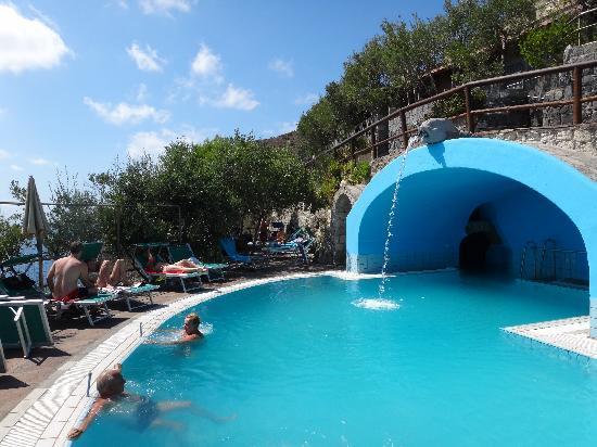 Punta Chiarito Resort Hotel Ristorante: Höhle