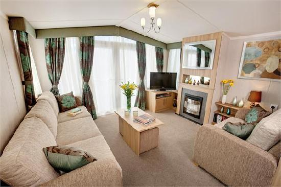 The Flask Inn Holiday Home Park: A typical spacious lounge