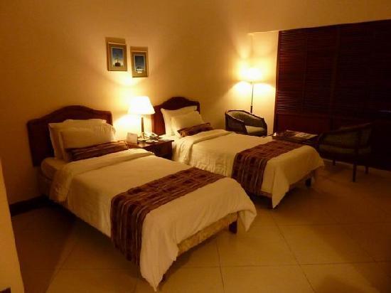 Hotel Naveen: La chambre de l'hôtel Naveen à Hubli