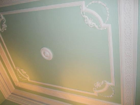 Hostal Pereda Hs: some fine ceiling they have there