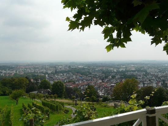 Cafe Restaurant Johannisberg: Blick von der Terrasse über Bad Nauheim