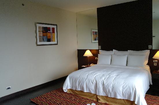 Sukhumvit Park, Bangkok - Marriott Executive Apartments: Bedroom 1