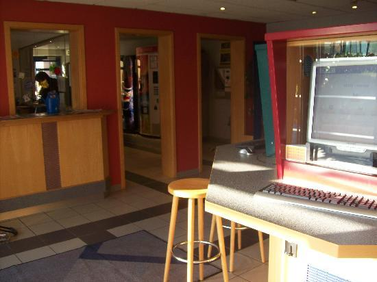Youtel 1202 Jugendhotel Bitburg : Internetcafe in der Lobby