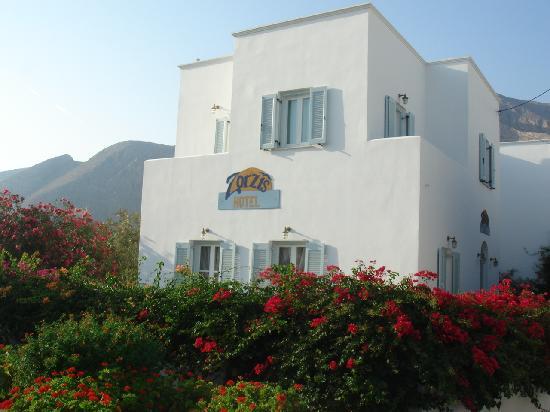 Zorzis Hotel: ホテルの外観
