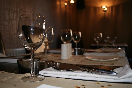 The RiverCross: Intimate Dining