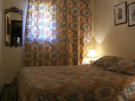 Riad Damia: Nziha chambre