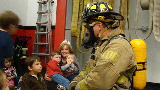 FireZone : fireman dressing up