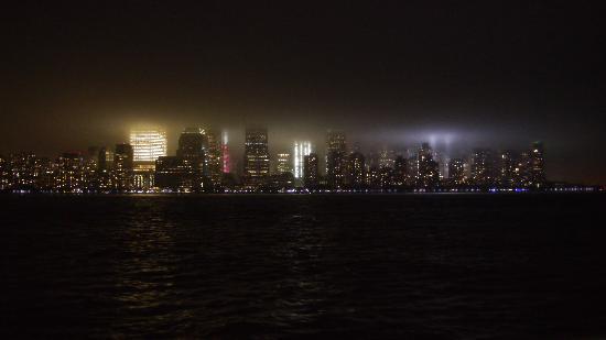 Hyatt Regency Jersey City: Night view of Manhattan from the Hyatt Regency
