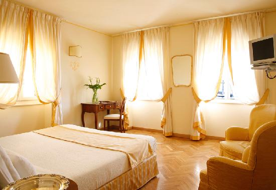 Photo of Hotel La Vittoria Garda
