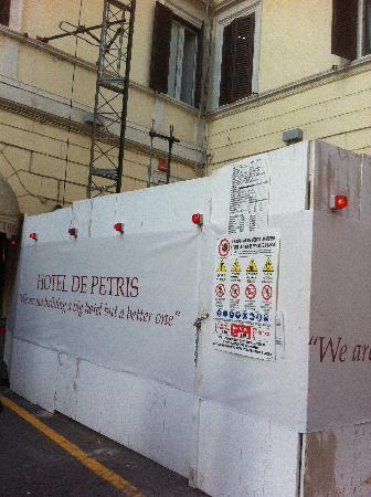 Hotel De Petris: Construction Site2