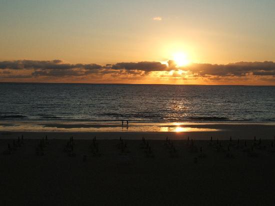 ClubHotel Riu Oliva Beach Resort: sun rise