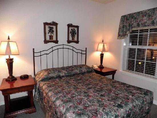 French Quarter Resort: bedroom