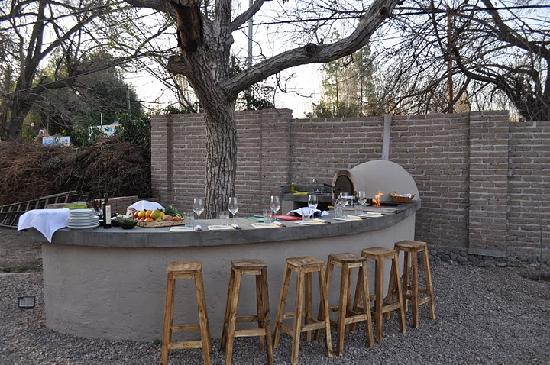 Cooking Class by Cristina Brino : Outdoor kitchen in the vineyard