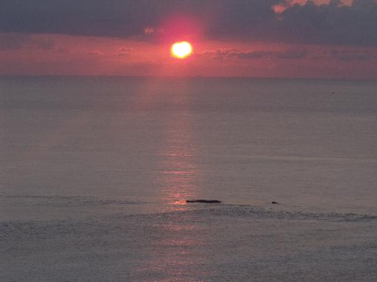 Hotel Riu Cancun: SUNRISE FROM OUR ROOM ON 15TH FLOOR