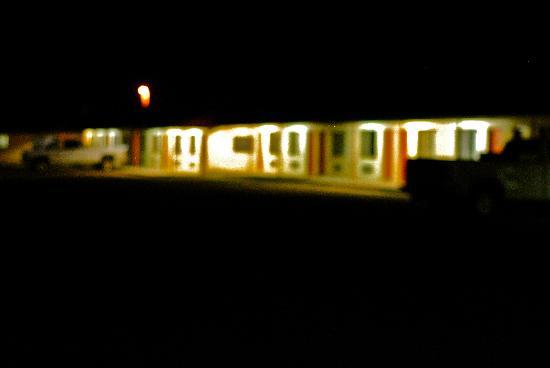 Regal Motel: Regal at night