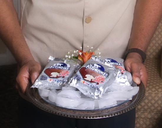 أولد هاربور إن: Ice-cream treats delivered to your room at turndown