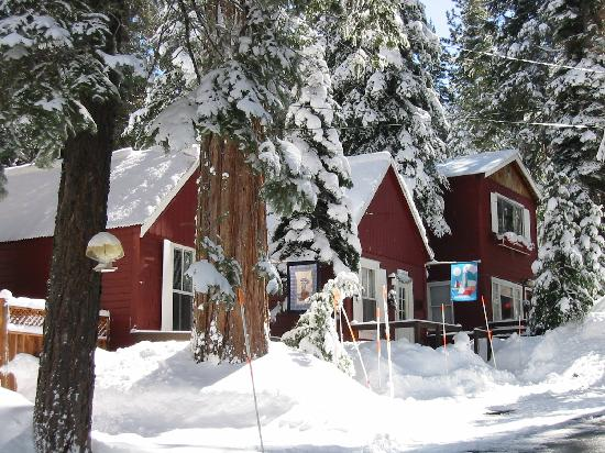 Tahoma Meadows B&B Cottages: Angler & Boat House Cottages