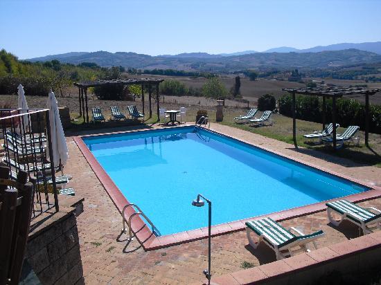 Podere La Ciabatta: piscina