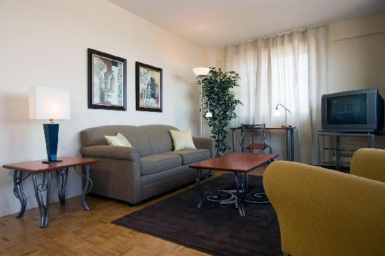 Appartements Trylon: Appartement à 2 Pièces/ 1 BDR Apartment (meublé/  Furnished)