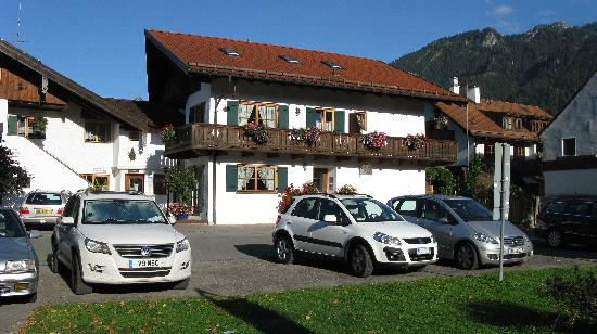 Hotel Ferienhaus Fux: Exterior of the hotel