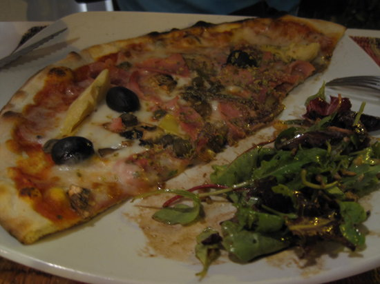 Pizzeria Claudio: Pizza & Salad