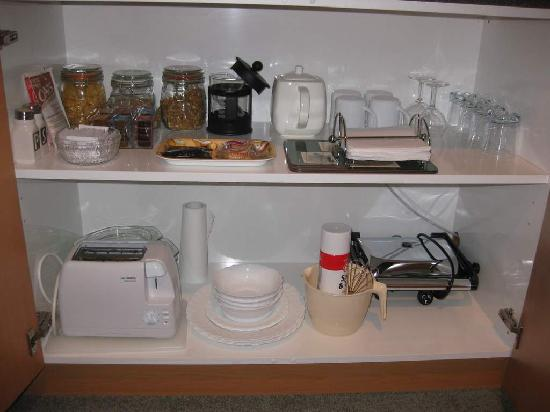 Te Waka Lodge: Some of the Kitchen Supplies in Large Apt Upstairs