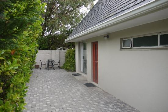 Cotswold Guest House: Eingang (Nebengebäude)