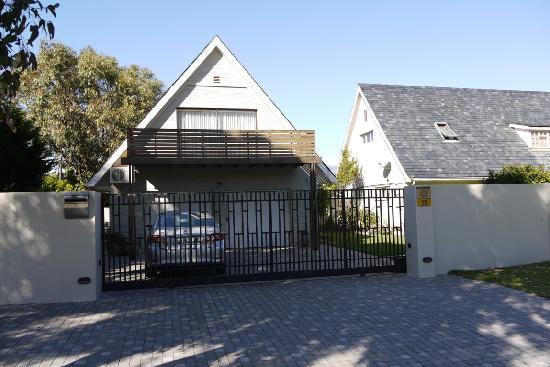 Cotswold Guest House: Nebengebäude