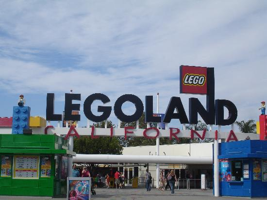 LEGOLAND California: Entrance to Legoland