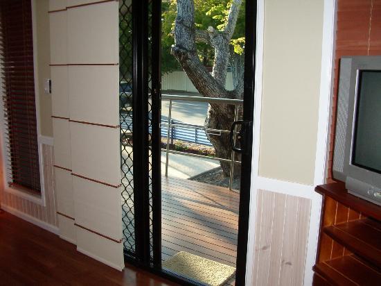Toolooa Gardens Motel and Apartments: Balcony