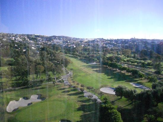 Grand Hotel Tijuana: Vista desde la habitación hacia el camapo de golf