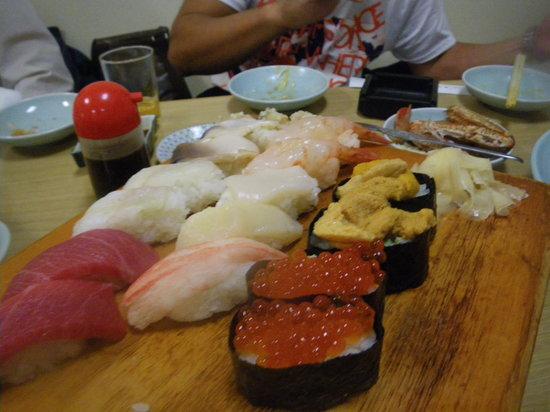 Yosuko: 各種寿司!!!!