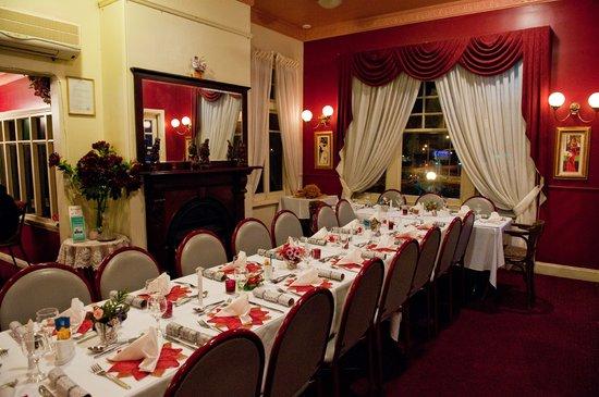 Rosewood Cottage Bar & Grill : Restaurant Interior