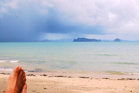 อัญญาวี ทับแขก บีช รีสอร์ท: The beach