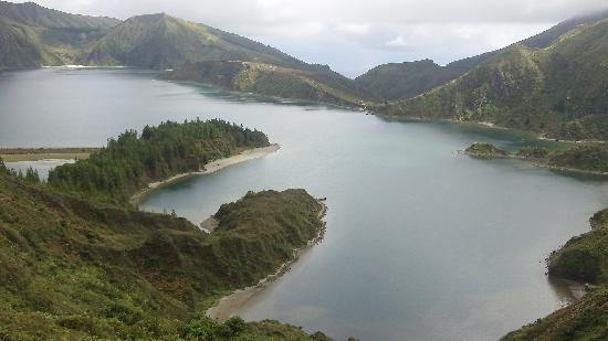 Quinta Das Acacias Rural Accommodations: 20 minutes away to Lagoa de Fogo...