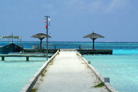 Rihiveli by Castaway Hotels & Escapes: The jetty