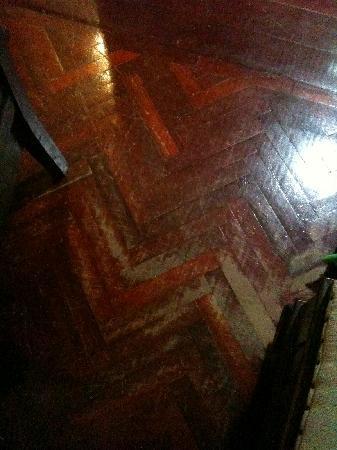 Jerejak Rainforest Resort: The floor