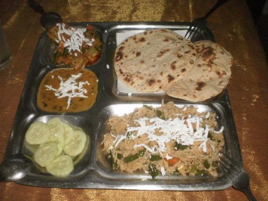 Green View Restaurant : Thali