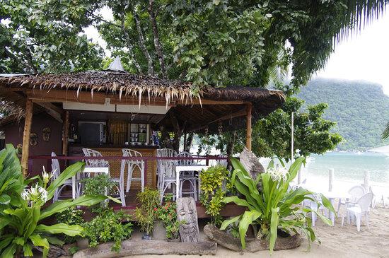 MaryGold Beachfront Inn: Beachfront Cafe