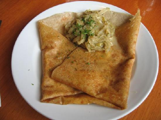 Breizoz French Creperie: goat cheese and onion crepe