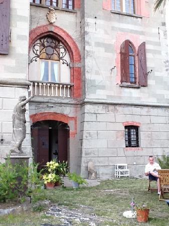 Castello di Monleone : the castle proper